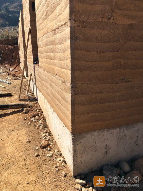 土壤固化剂夯土墙