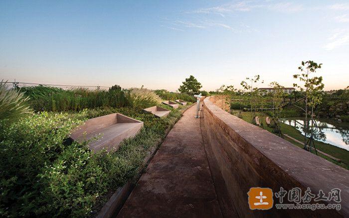 生态夯土墙
